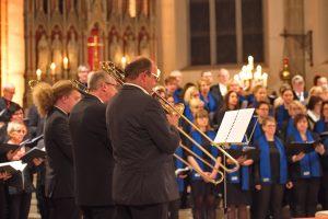 Halleluja Carillon - The 4 Chucka Charlies begleiten drei Chöre
